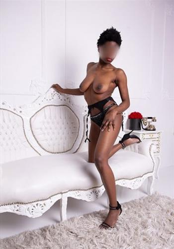 Ebony Byoso, horny girl in Italy - 13814 Escort.black