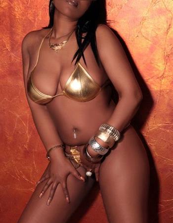 Ebony Connie, horny girl in France - 7227 Escort.black