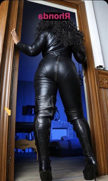 Ebony Escort Liqian, Ireland - 12751 Escort.black