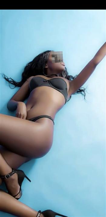 Ebony Maximovna, horny girl in Portugal - 7098 Escort.black