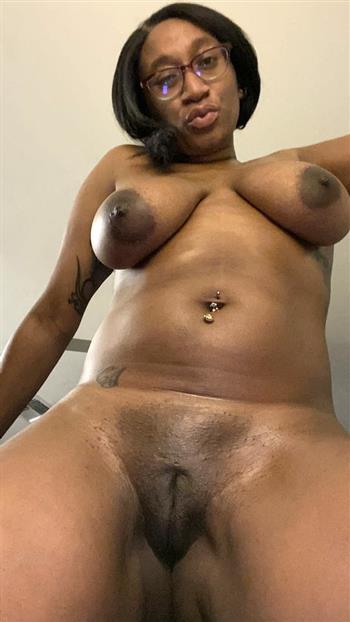 Ebony Pontip, horny girl in Sweden - 13218 Escort.black