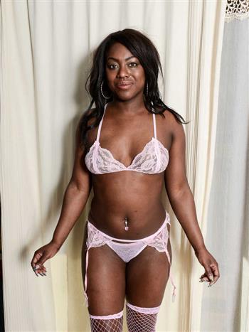 Ebony Shejkhmous, horny girl in Canada - 6910 Escort.black