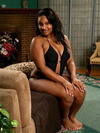 Ebony Someyo, sex in France - 19549 Escort.black