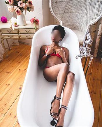 Ebony Yuhairis, horny girl in Greece - 15031 Escort.black